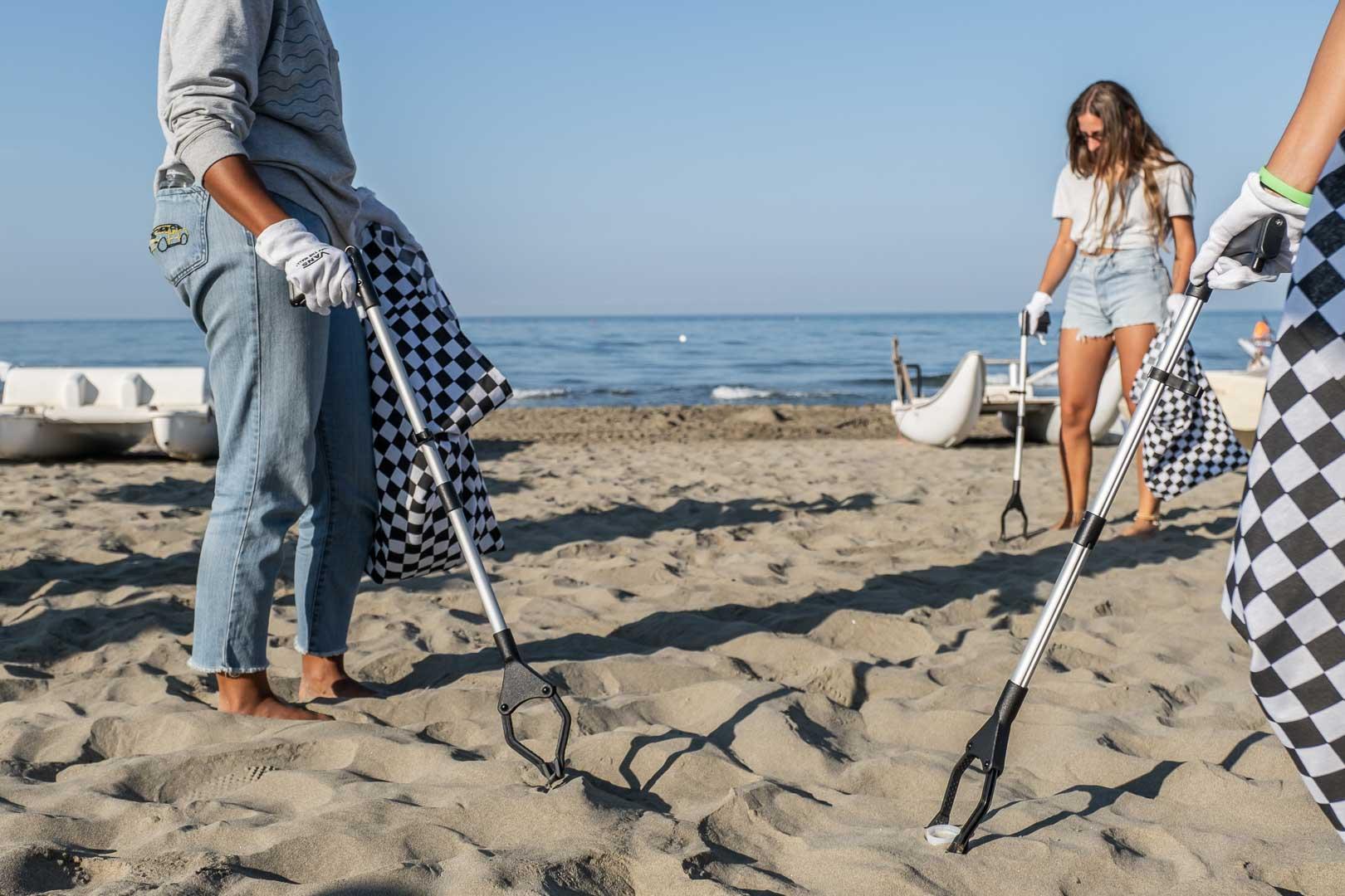 VANS BEACH CLEANING-10